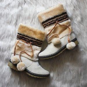Womens Size 6.5 US DL Sport Faux Fur Boots